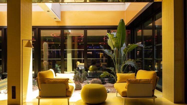 NHow Marseille Palm Beach lounge