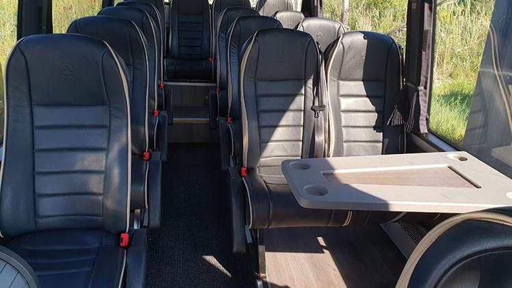 amp limousine interieur du minicar mercedes sprinter 16 places
