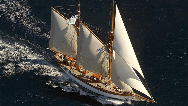 Don du vent, vue aérienne du bateau