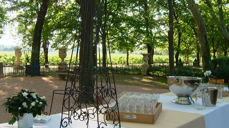 chateau pont royal dejeuner dans le parc