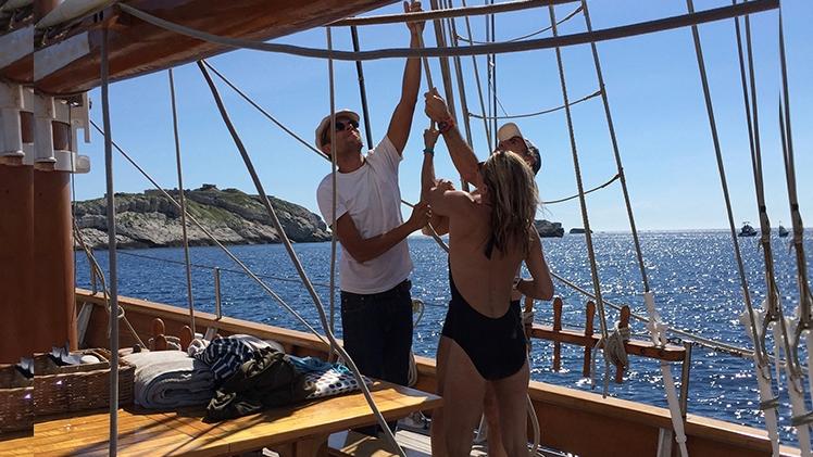 Manoeuvres sur le bateau le Don du Vent