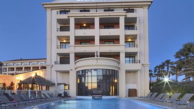 Golden Tulip Villa Massalia - vue piscine