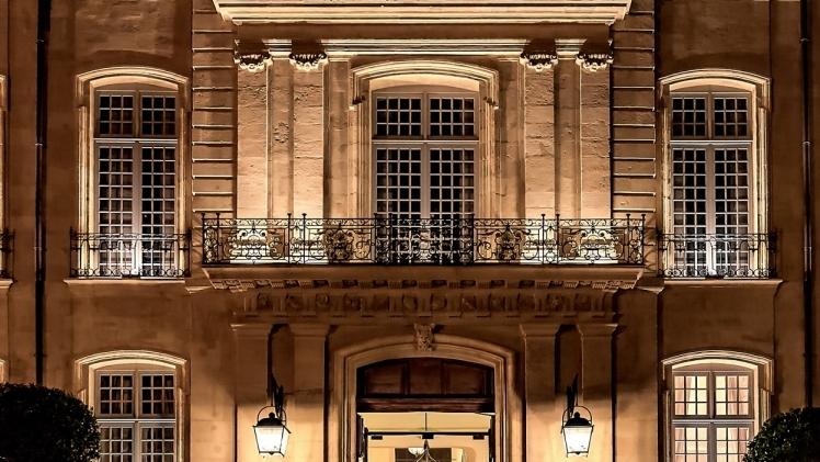hotel de Caumont centre d'art facade