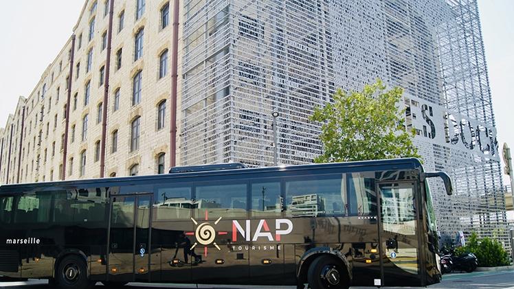 N.A.P Tourisme - Car noir Les Docks