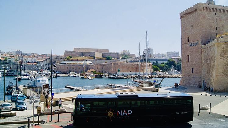 N.A.P Tourisme - Bus noir Vieux-Port Marseille