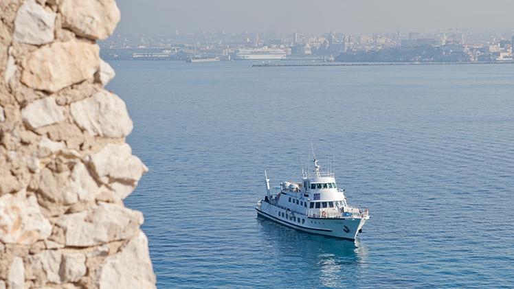 Croisières Marseille Calanques - bateau en mer
