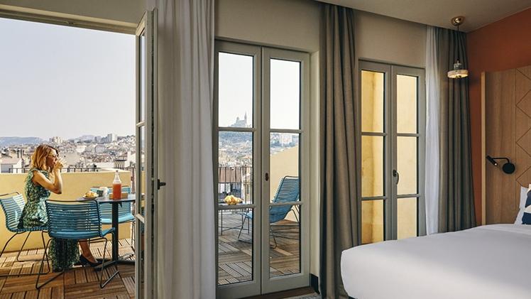 mercure canebiere marseille vieux port chambre terrasse