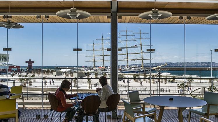 Musée Regards de Provence - terrasse