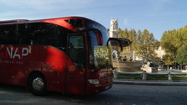 N.A.P Tourisme - Car rouge Aix