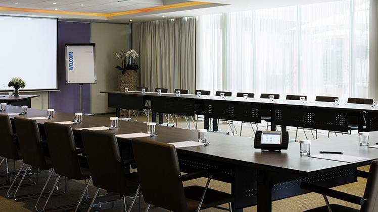 Pullman Marseille Provence - vue salle de réunion