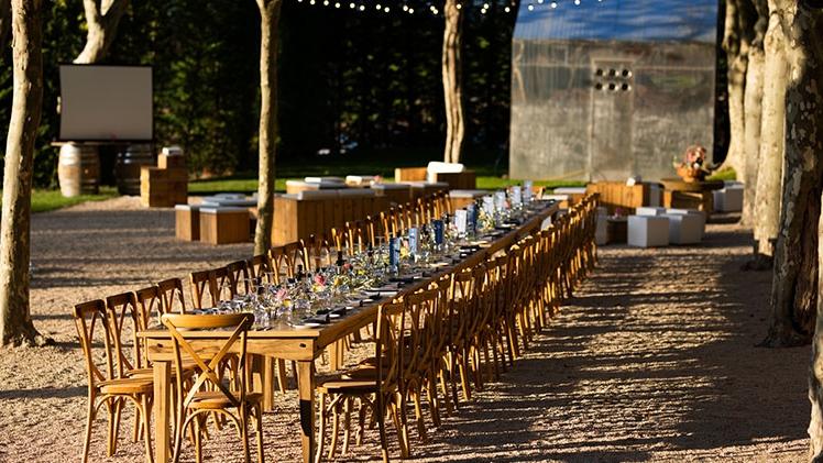 Chateau la coste table de bois potager